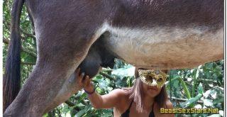 Alison-Donkey-Booty-1.jpg